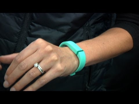 CES 2013: Hands-On with the Fitbit Flex Activity Wristband