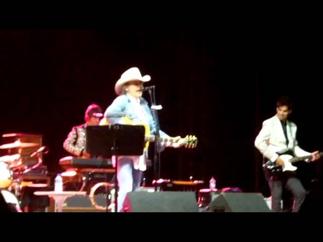 Dwight Yoakam at The Woods 2014