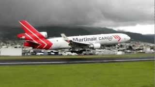Martinair Cargo windy landing - Quito