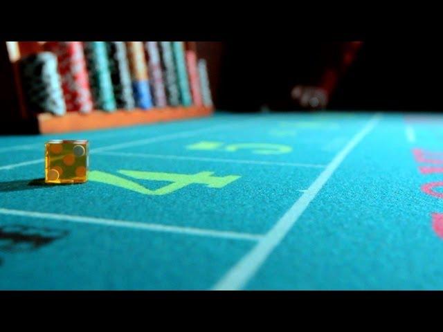 How to Tip a Casino Dealer   Gambling Tips