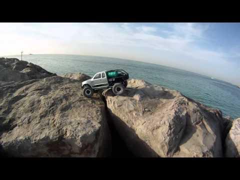 Brand new Axial SCX10 Trail Honcho RTR First Run by the beach