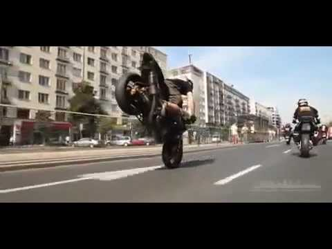 Suzuki GSX Crazy Stunts