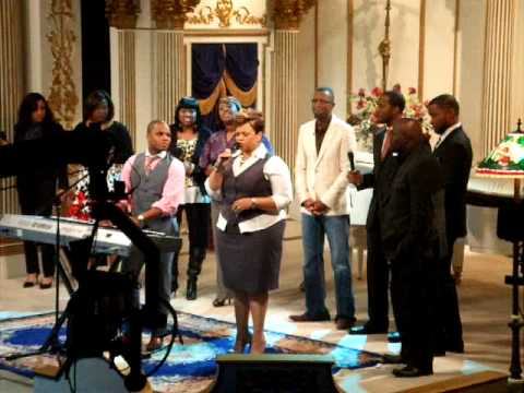 Kirk Franklin, Rickey Smiley, and Tamela Mann - Now Behold the Lamb