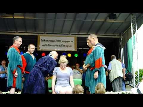 19. Gautschfest am Samstag, 20.08.2011 auf dem Markt in Haltern am See, Kornutin Laura