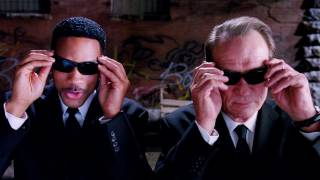 Men in Black III - MEN IN BLACK 3 Trailer 2012 - Official [HD]
