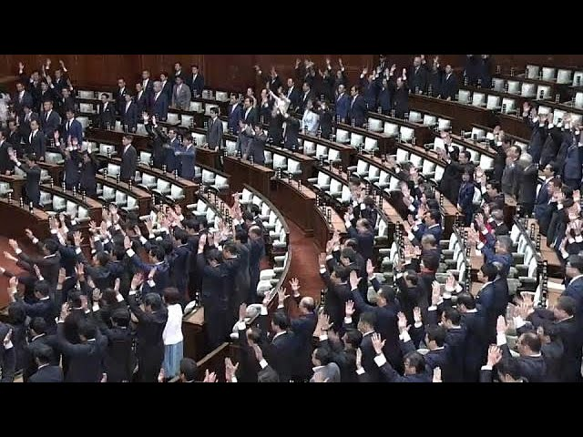 Abe dissolves Japan's parliament & sets Oct 22 election date