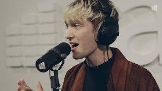 Emil Berg - Kyss mig hårt (Live @ East FM)