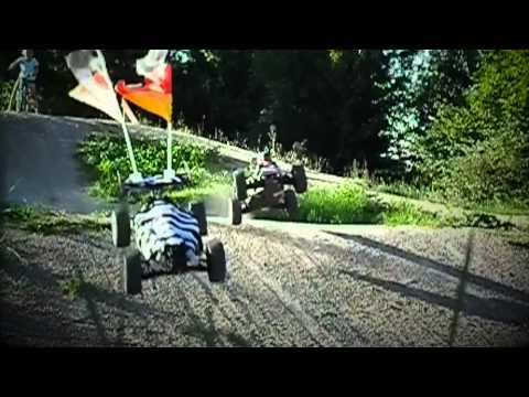 Ferngesteuertes Auto mit unfassbarem Raketentuning vs. Zebra - Trailer