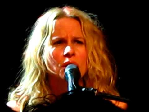 Vonda Shepard - You Belong to Me - Bucharest 2010