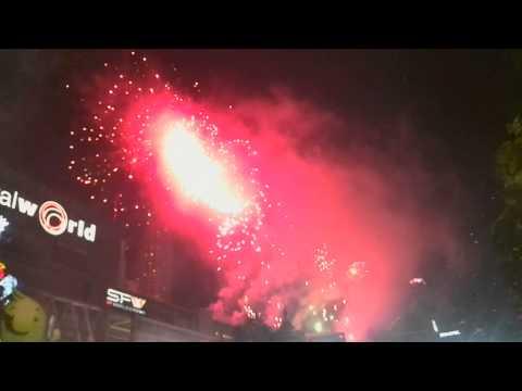 AIS Bangkok Countdown 2014 – Fireworks Show @ CentralWorld, Bangkok.