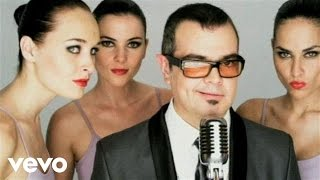 Watch Aleks Syntek Loca video