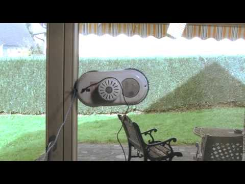 Sichler intelligenter fensterputz roboter youtube for Fenster roboter