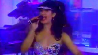 Selena - Besitos (en vivo)