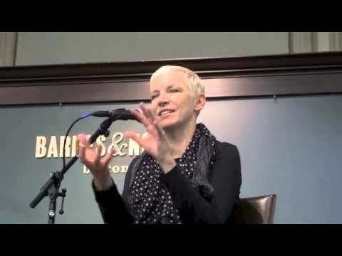 Full Chat with ANNIE LENNOX at Barnes & Noble Union Square NYC