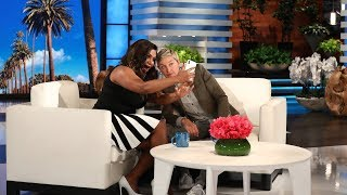 Ellen and Mindy Kaling Text a Selfie to Her