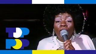 Watch Gloria Gaynor Walk On By video