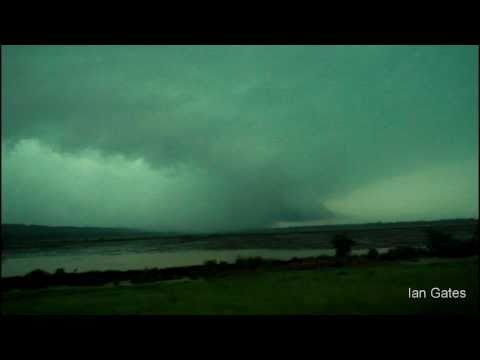 Tornado near Mayflower heading to Vilonia Arkansas (2011)