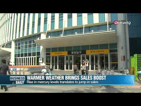 Business Daily-Retailers crack a smile with early heat