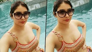 'Kumkum Bhagya' Actress Leena Jumani SIZZLES In HOT SWIMSUIT