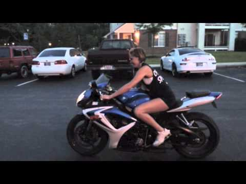Girl riding a Motorcycle  - GSXR