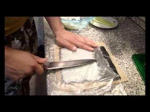 Как готовить роллы дома - видео