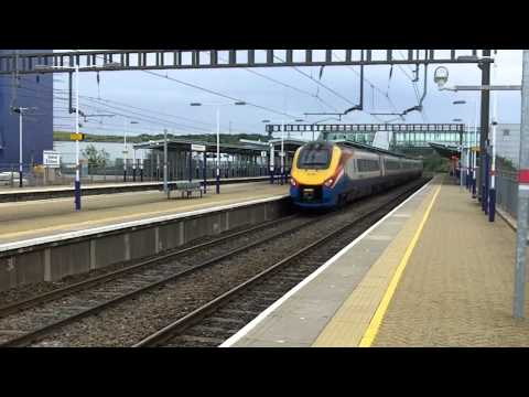 Video of Luton Airport Parkway Station including First Capital Connect Class 319 and EMT Class 43 HST and Class 222. We are on platform 4 northbound.