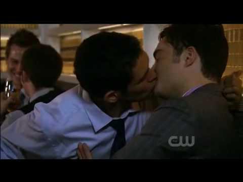 Chuck Bass Gay Kiss Gossip Girl - YouTube Ed Westwick Now