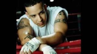 Watch Daddy Yankee Mirame video