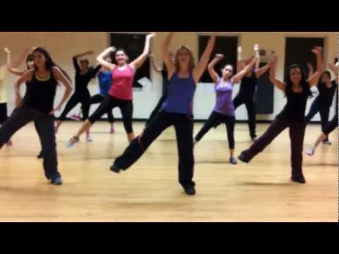 Zumba Dance Fitness: Scream And Shout By Will.i.am video