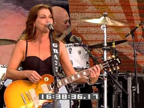 Gretchen Wilson - Theres A Place In The Whiskey