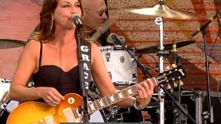 Watch Gretchen Wilson Theres A Place In The Whiskey video