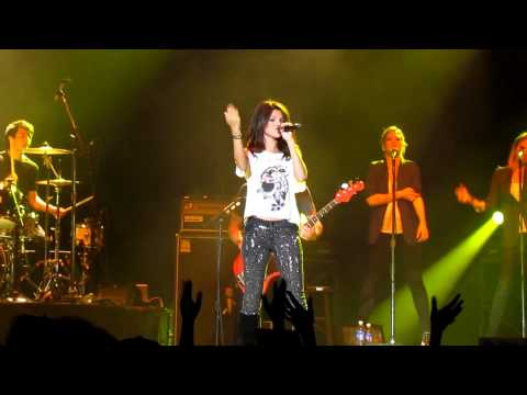 Summers Not Hot- Selena Gomez We Own The Night Tour (puyallup, Wa) video