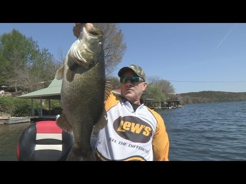 Southwest Outdoors Report #7 Lake Austin, Texas Bass Fishing - 2013