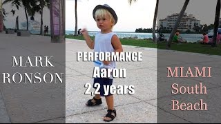 Dancing Aaron 2,2 years  Miami South Beach! Performance