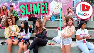 100 PEOPLE PLAYED WITH MY SLIME AT VIDCON! SLIME IN PUBLIC