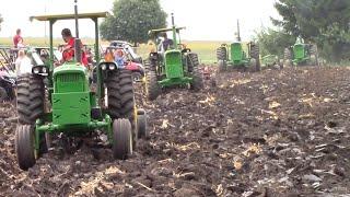 John Deere New Generation Tractor Fleet Plowing
