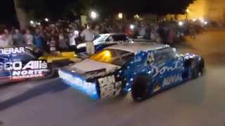 Johnny Laboritto   Autos del TC en Plaza Castelli  Dolores 19 12 2014