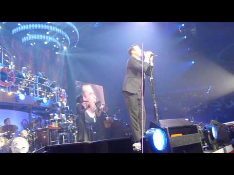 ROBBIE WILLIAMS PERTH ARENA 12.9.14 -ANGELS WITH DOCKERS DITTY AT THE END