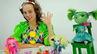 Masha the clown Doll tea party. Videos for kids.