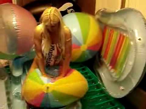 deflating beach ball Images - Frompo