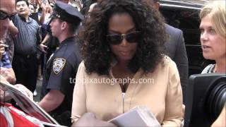 "Oprah Winfrey - Signing Autographs at ""Good Morning America"" in NYC"
