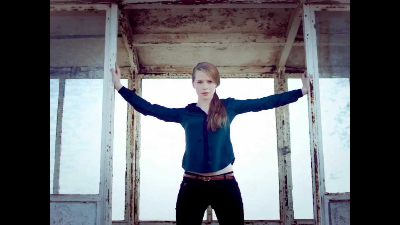 Joy Anna Thielemans - YouTube Avril Lavigne Die