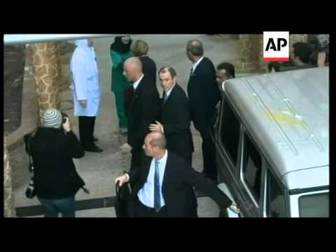 Palestinian protesters try to block French FM's visit to Gaza