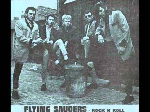 Sandy Ford & Flying Saucers - Just My Size.wmv