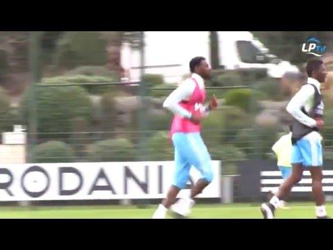 La grande forme d'Abou Diaby à l'entraînement
