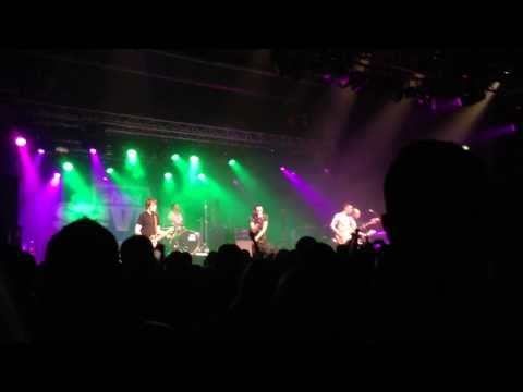 shed-seven-bully-boy-live-at-sheffield-o2-academy-81213-in-full-hd.html