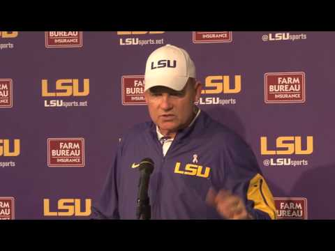 Full Les Miles Post Game Press Conference Florida- 10-17-15
