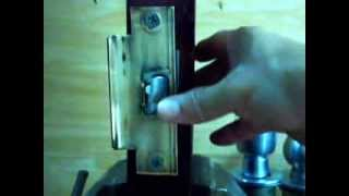knob lockset Latchbolt (how to activate anti prying mechanism)