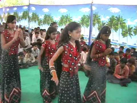 Vinay Mandir -sarangpipali Donor Satkar Samarbh Pogram Swagat Geet By Std-8 Girls.vob video