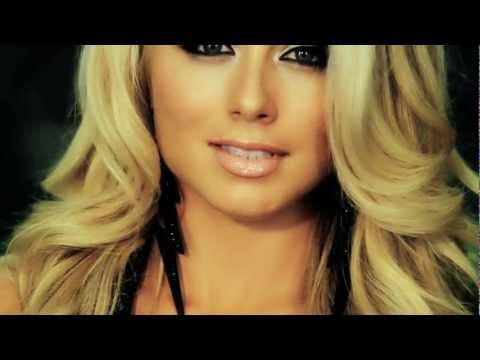 Supercross LIVE! 2012 - SX Ed with Miss Supercross - Episode 1 - Dianna Dahlgren Stops Traffic